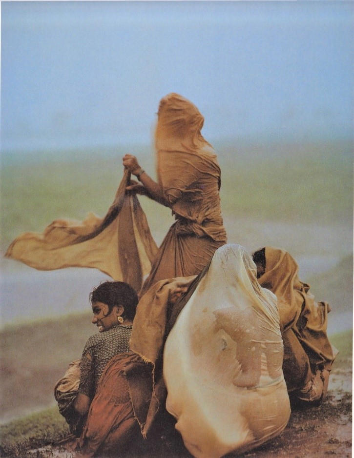 Monsoon Rains, Monghyr, Bihar, 1967. ©2020 Succession Raghubir Singh